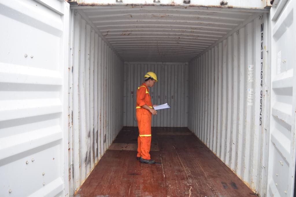 Xem xét kỹ container trước khi mua